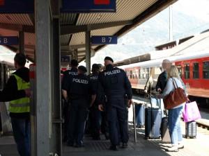 Polizei am Bahnhof Ibk_web